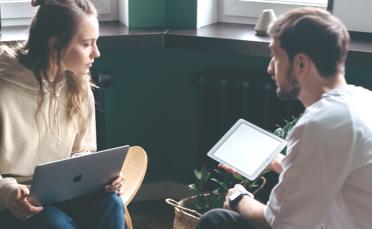 Wat is een continue dialoog en hoe implementeer je het?